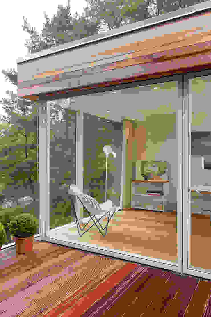 27289 現代房屋設計點子、靈感 & 圖片 根據 Cubus Projekt GmbH 現代風