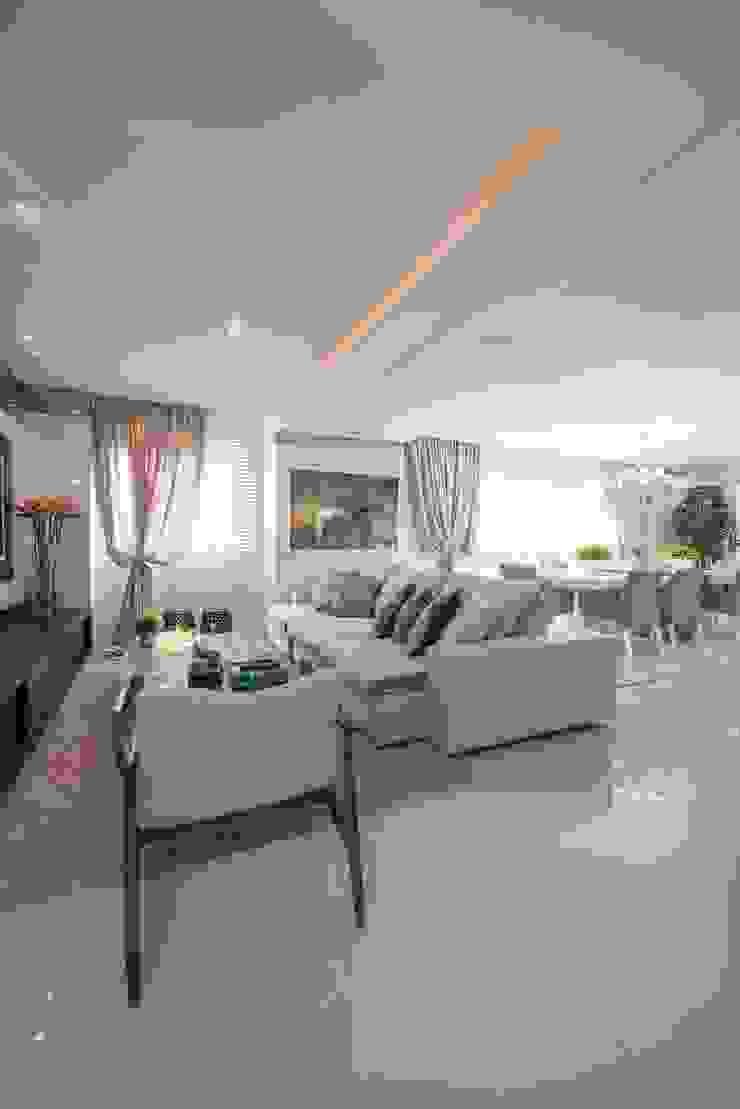Refúgio à beira mar Salas de estar modernas por Actual Design Moderno
