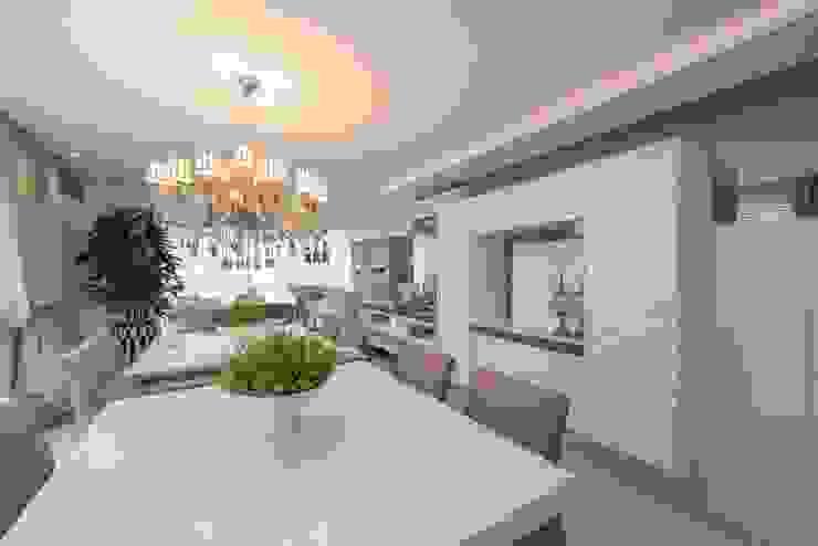 Refúgio à beira mar Salas de jantar modernas por Actual Design Moderno