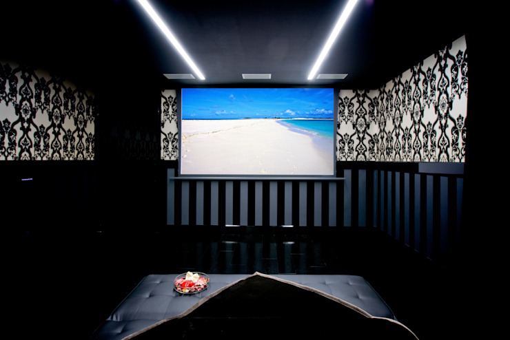 Modern media room by Matteo Gattoni - Architetto Modern