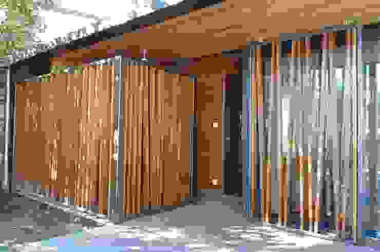 Modern houses by Christian Larroque Modern