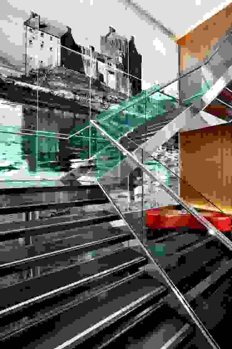 Sheraton Grand Edinburgh - Lobby Staircase Modern hotels by MKV Design Modern