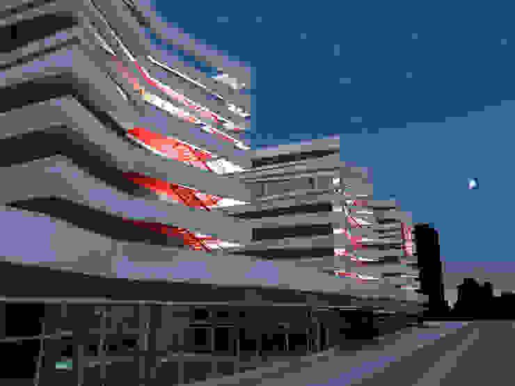 Nuit Locaux commerciaux & Magasin modernes par Christian Larroque Moderne
