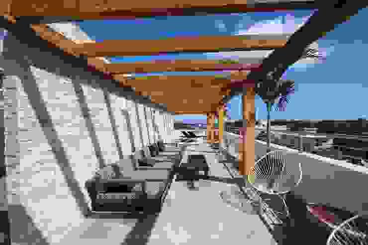 Moderner Balkon, Veranda & Terrasse von axg arquitectos Modern
