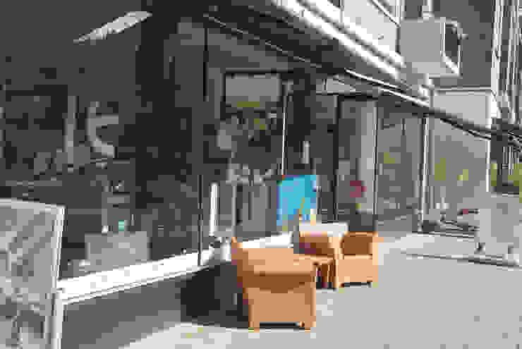 gevelrenovatie van een wederopbouwcomplex aan de Pannekoekstraat van Linea architecten