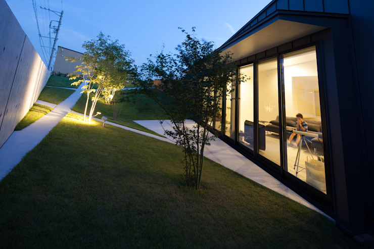 Secret Garden Modern Houses by bandesign Modern