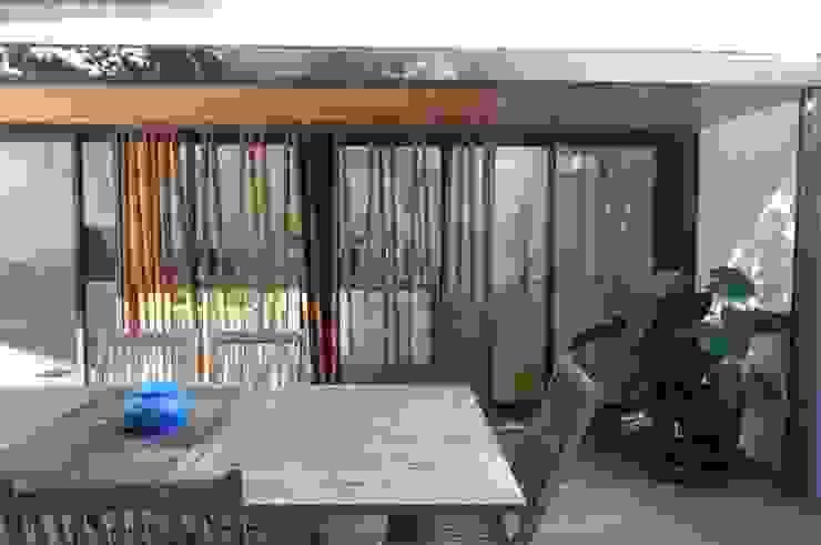 Extension d'une maison Maisons modernes par Christian Larroque Moderne