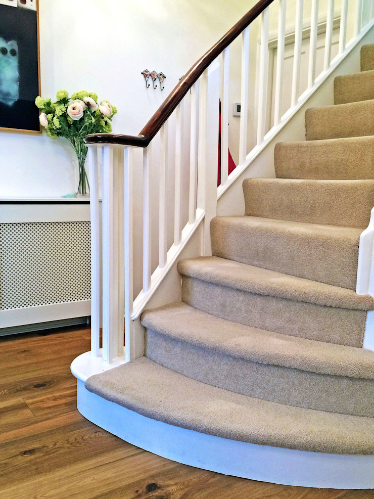 3 Bed detached house in Wimbledon, London Modern corridor, hallway & stairs by Absolute Project Management Modern