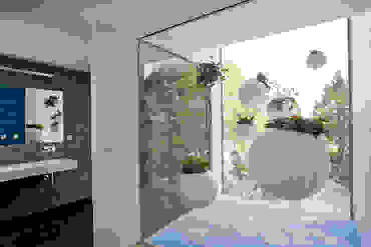 Moderne balkons, veranda's en terrassen van Pasodoble Modern