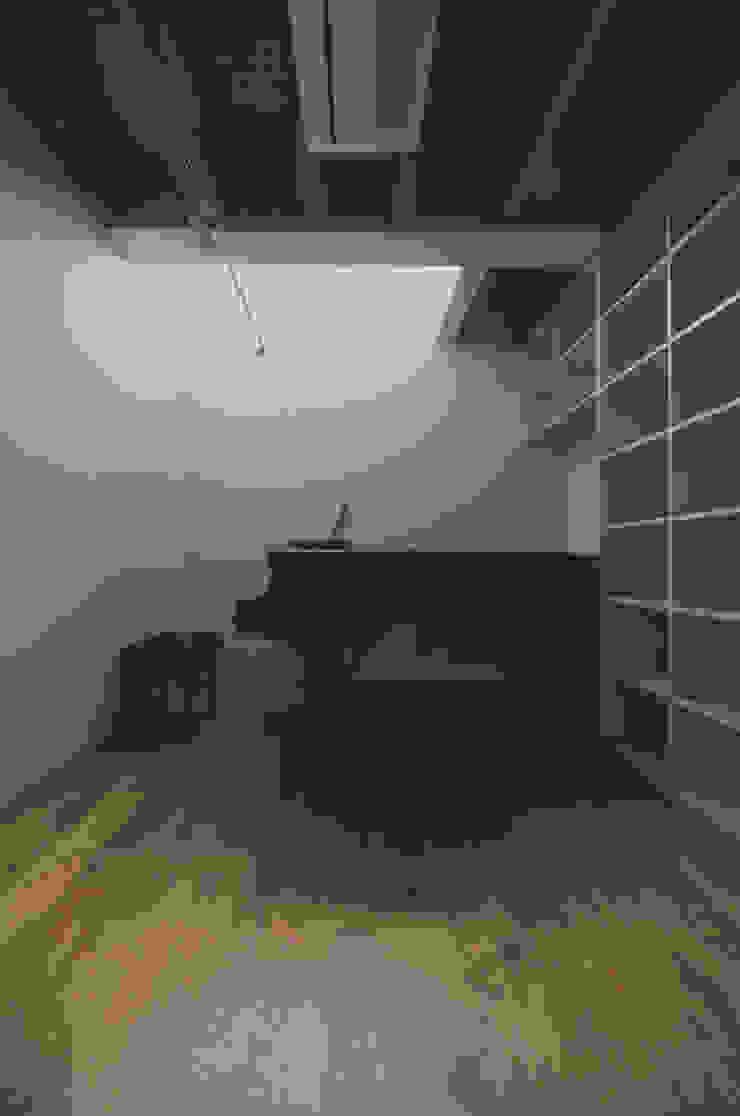 ピアノ室 モダンデザインの 書斎 の 株式会社フォルムス/FORMS モダン