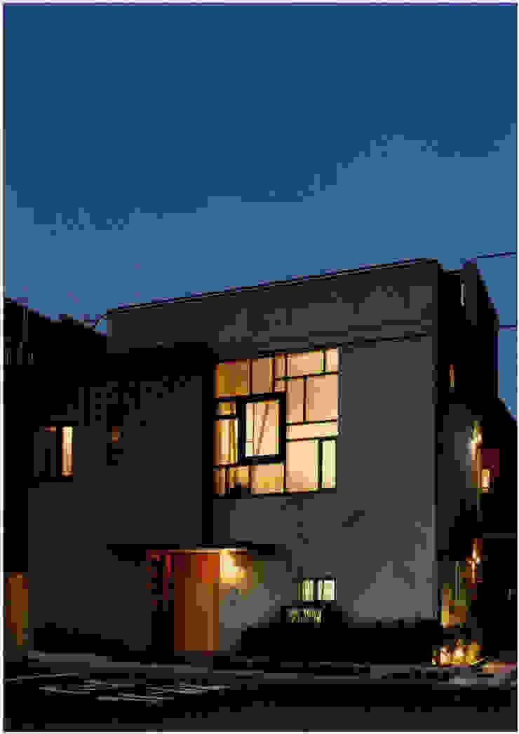eclectic  by Ryuji Koyama Architects  & Associates  小山隆治建築研究所, Eclectic