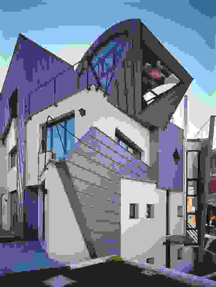 pareti ventilate Case moderne di RoccAtelier Associati Moderno