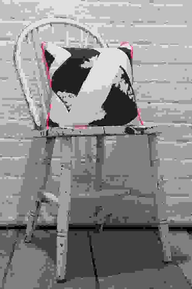 Fresh Monochrome: modern  by Victoria Umansky, Modern