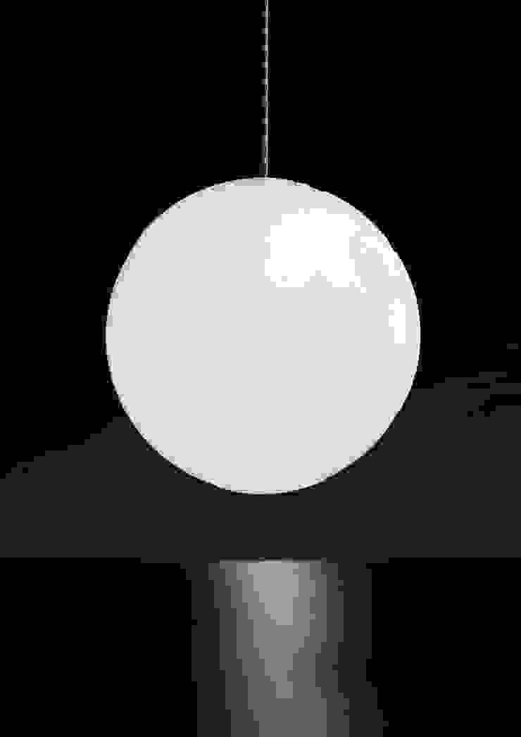 Planet Earth: modern  door BLOOM & STYLE, Modern