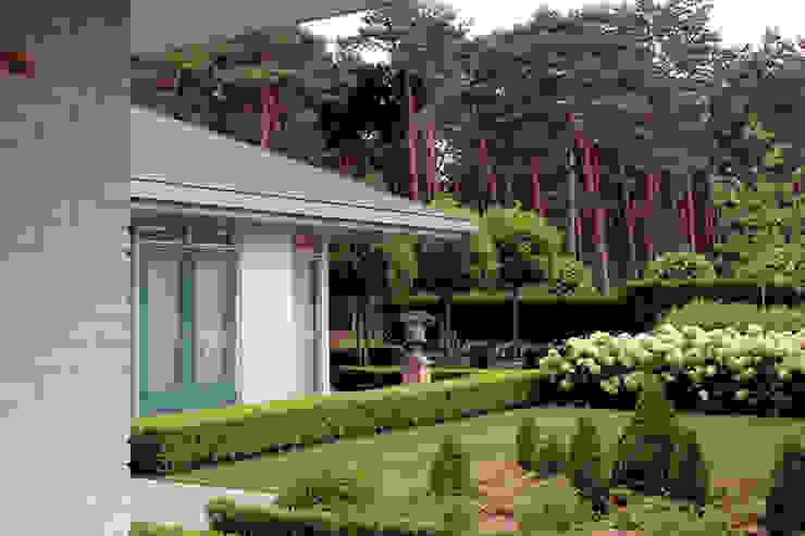 woonhuis in Achel [België] Eclectische tuinen van PHOENIX, architectuur en stedebouw Eclectisch
