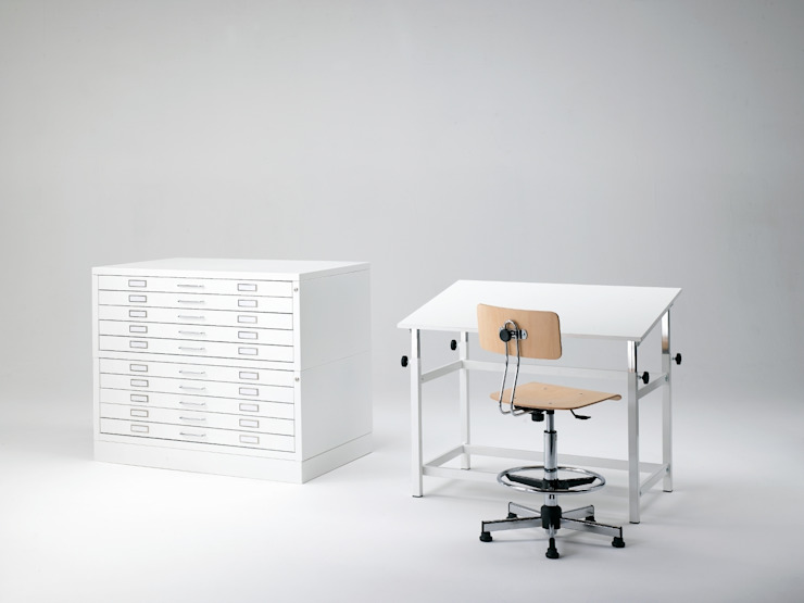 Tavolo Architetto:  in stile industriale di Emmesystem by Emme Italia, Industrial