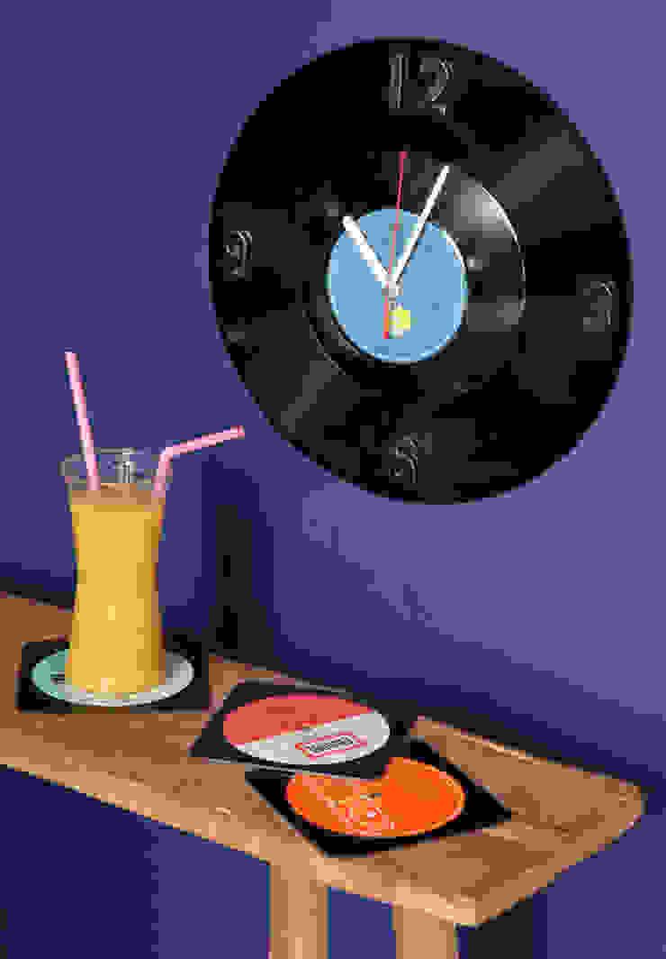 Horloge en disque vinyle recyclés par Rose Bunker