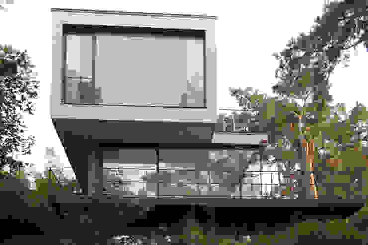 Case moderne di THOMAS BEYER ARCHITEKTEN Moderno