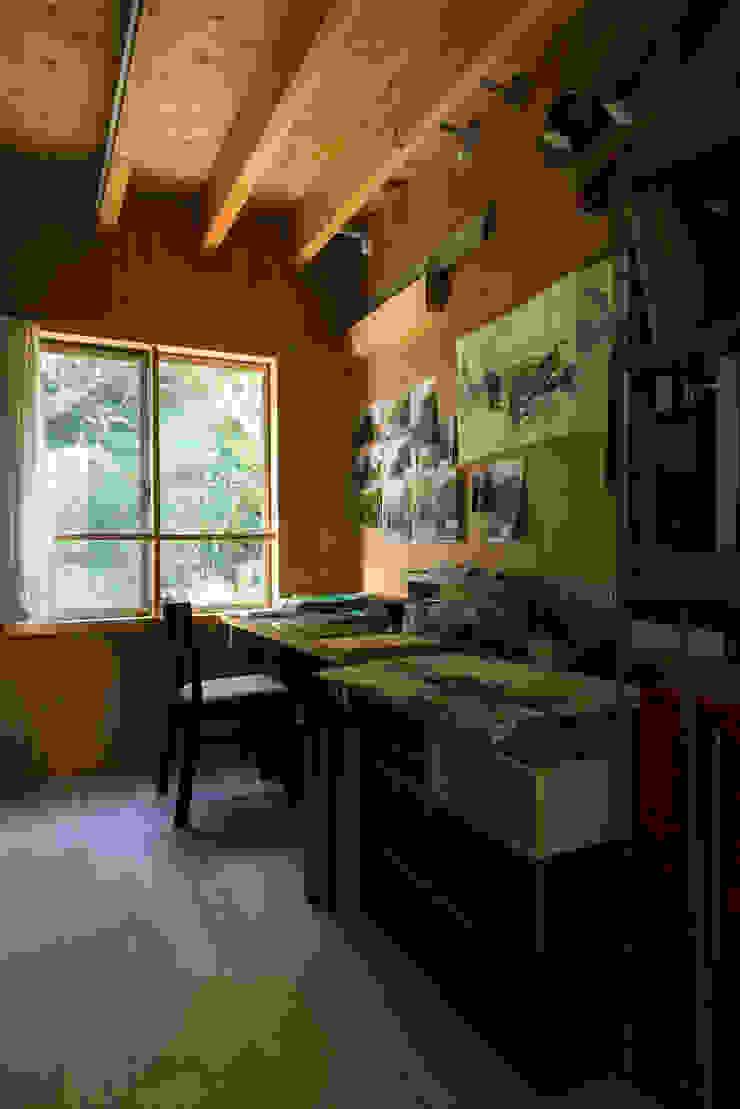 カマクラのイエ 和風デザインの 書斎 の 白子秀隆建築設計事務所 和風