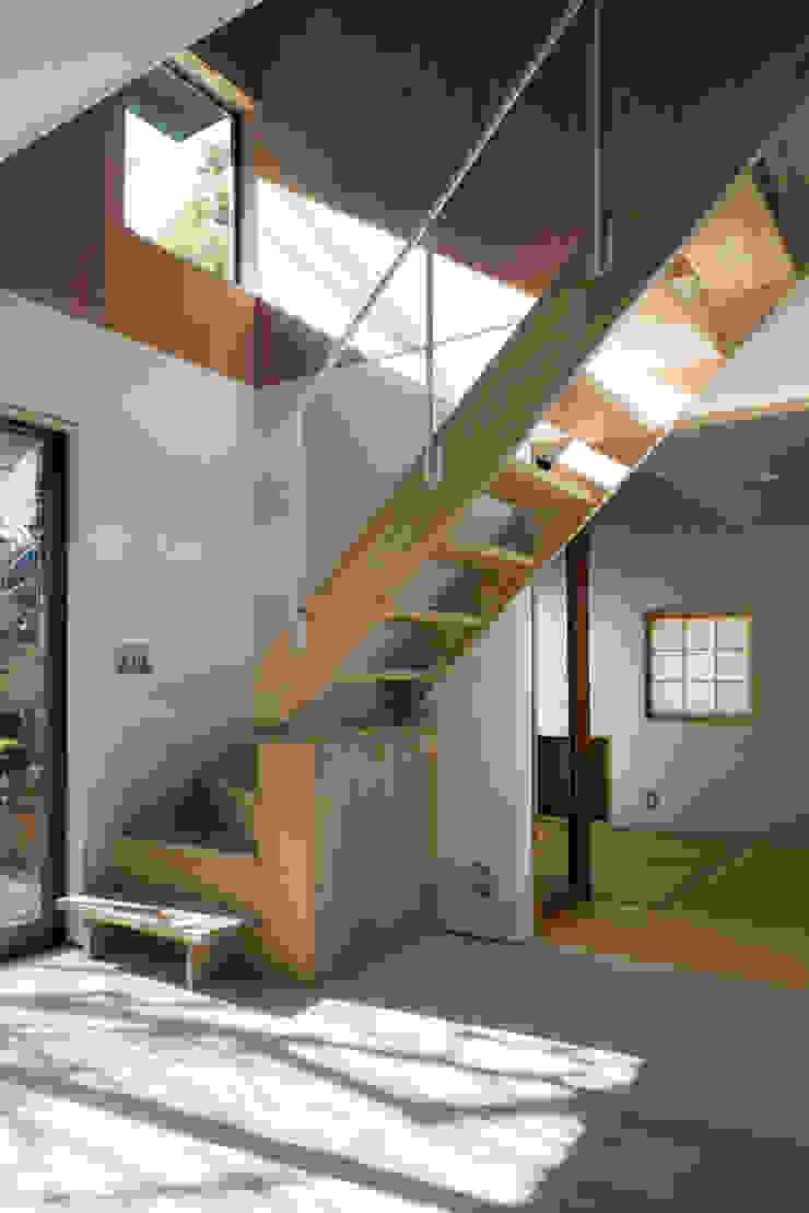 カマクラのイエ 和風の 玄関&廊下&階段 の 白子秀隆建築設計事務所 和風