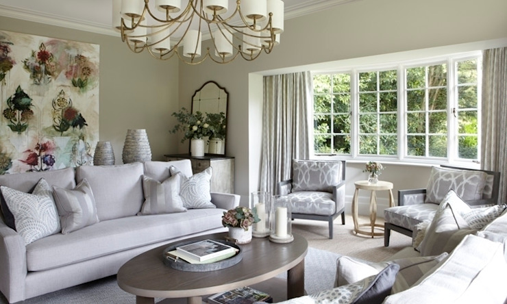 Country House, Hampshire Wiejski salon od Helen Green Design Wiejski