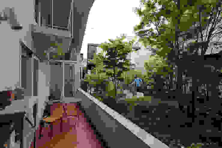 Sunny Loggia House 주택 by KONNO