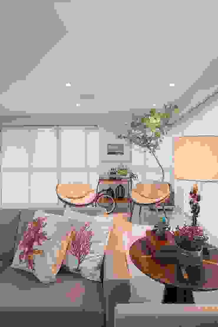 Lar de verão para unir a familia Casas modernas por Actual Design Moderno