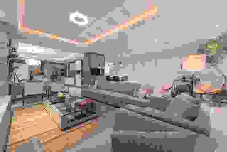 Casas modernas de Actual Design Moderno