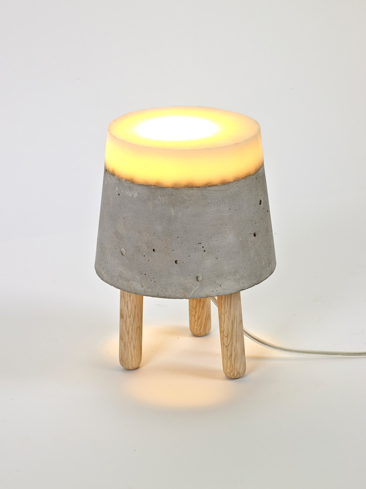 CONCRETE floor/table lamps van RENATE VOS product & interior design Industrieel