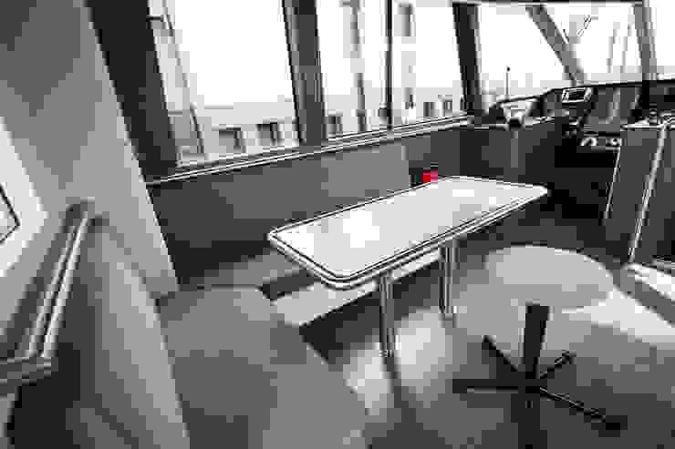 Aufenthaltsbereich Moderne Arbeitszimmer von Squaring Modern
