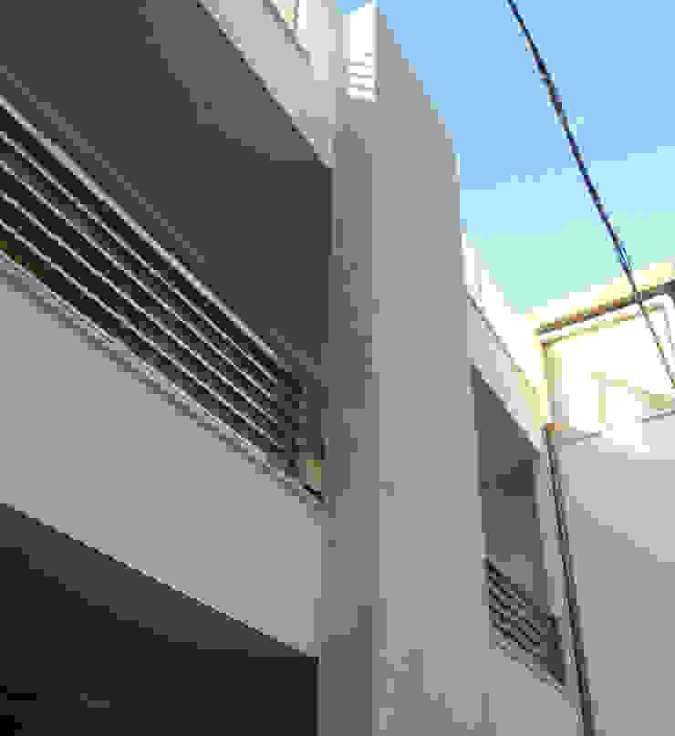 Il totem di zs 2   studio progettazione integrata Moderno