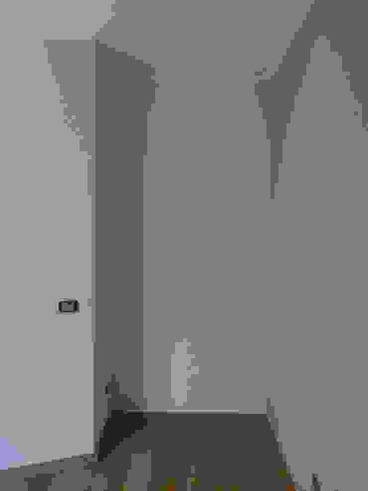 Cose di nicchia Camera da letto moderna di zs 2   studio progettazione integrata Moderno