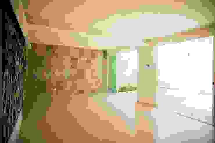 Remodelacion Casa <q>El Almendro</q> Paredes y pisos de estilo minimalista de zerraestudio Minimalista
