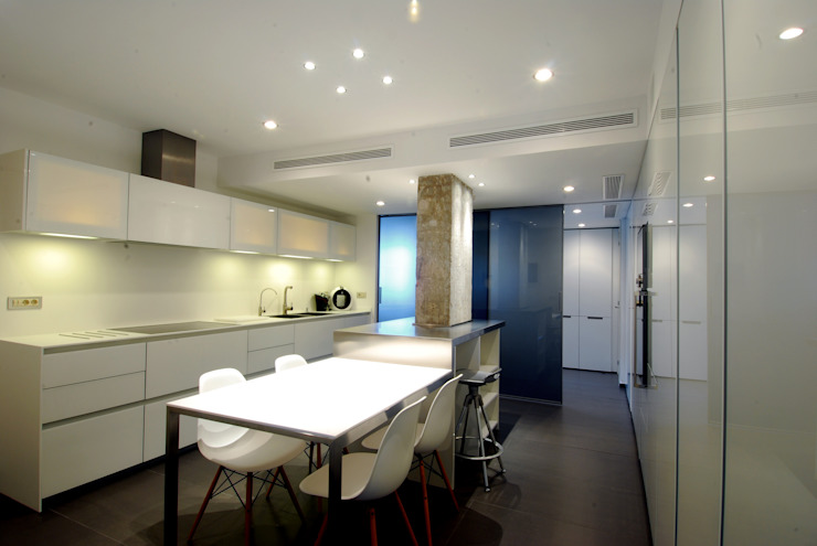 Kitchen Modern style kitchen by FG ARQUITECTES Modern