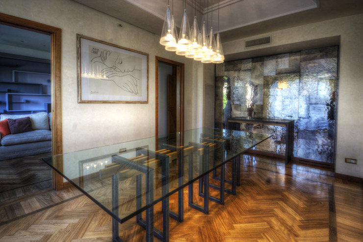 Eclectic style dining room by Federico Celletti Eclectic