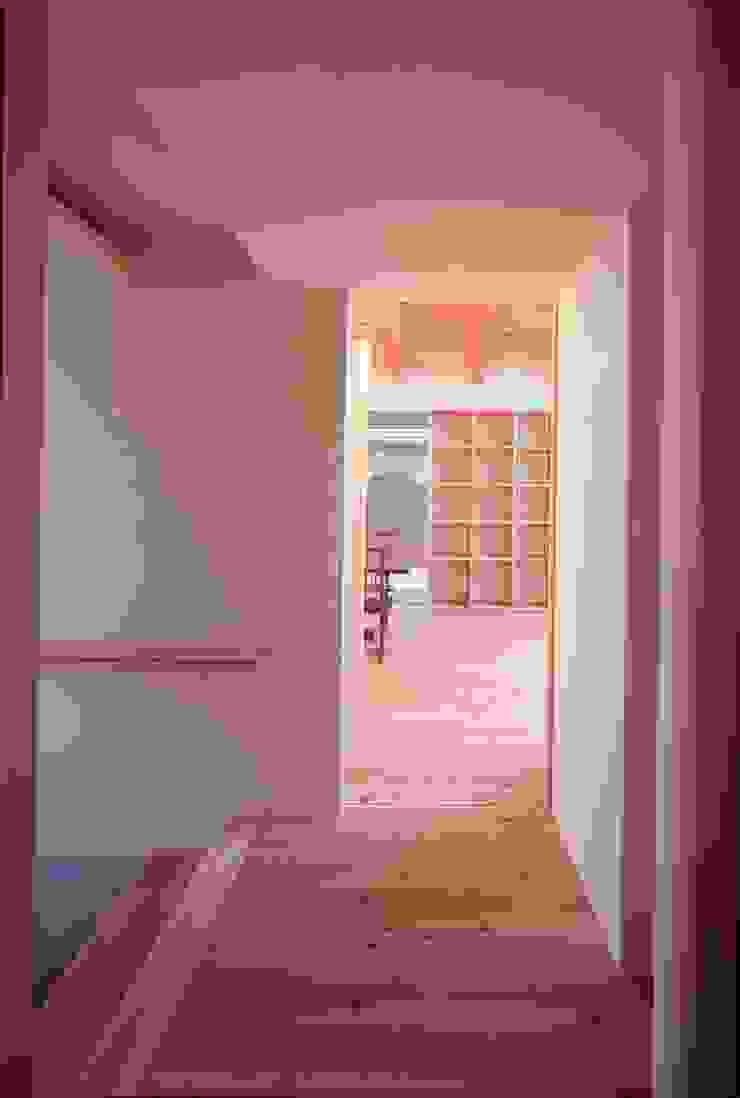 SATE -扠- モダンスタイルの 玄関&廊下&階段 の 作人 -Architecture Design Sakutto- モダン