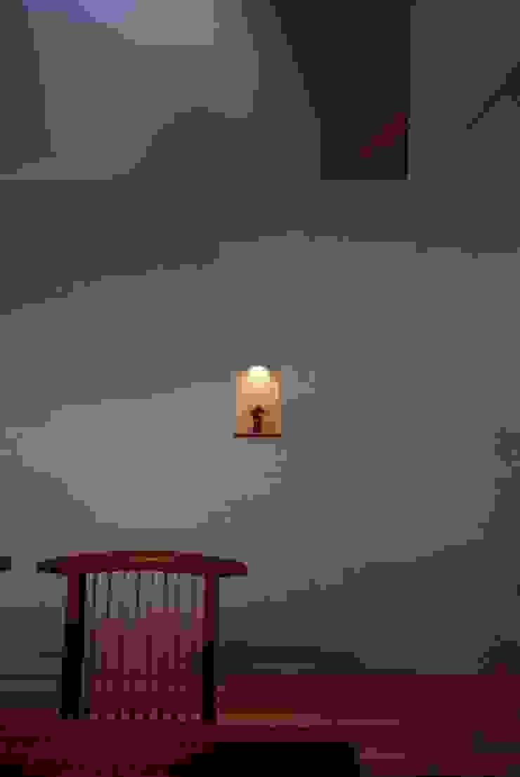 SATE -扠- モダンな 壁&床 の 作人 -Architecture Design Sakutto- モダン