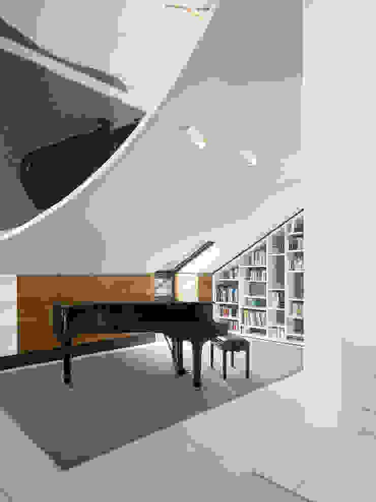 APARTMENT SCH Ippolito Fleitz Group – Identity Architects House