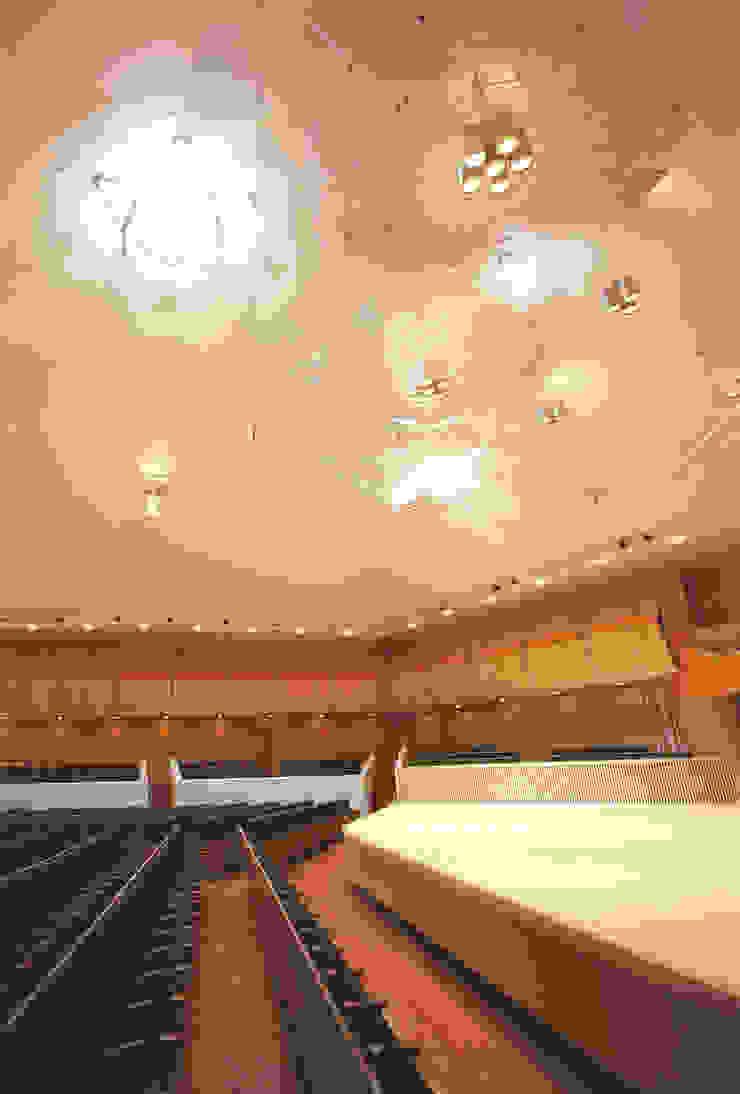 Oga Hall の 石田和人デザインスタジオ