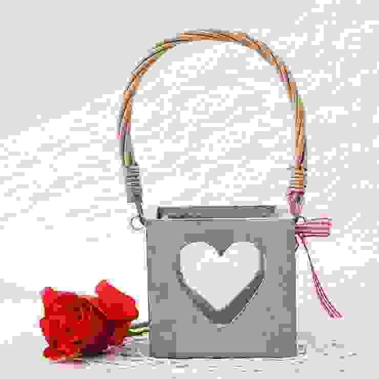 Farolillo de madera para velas con corazón de Beautifulbluebrides.com Rústico