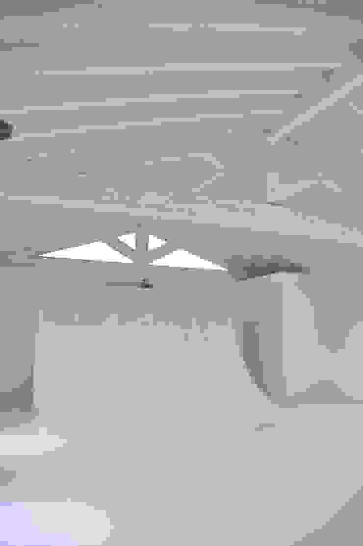 pavimentazione per studio fotografico di Resin Floor srl Moderno