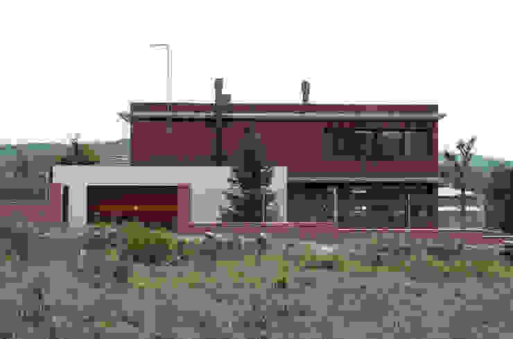 NorthWest façade Casas modernas por FG ARQUITECTES Moderno