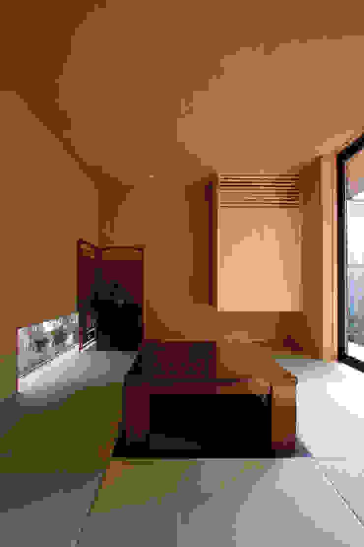 若林M邸 モダンデザインの 多目的室 の 遠藤誠建築設計事務所(MAKOTO ENDO ARCHITECTS) モダン