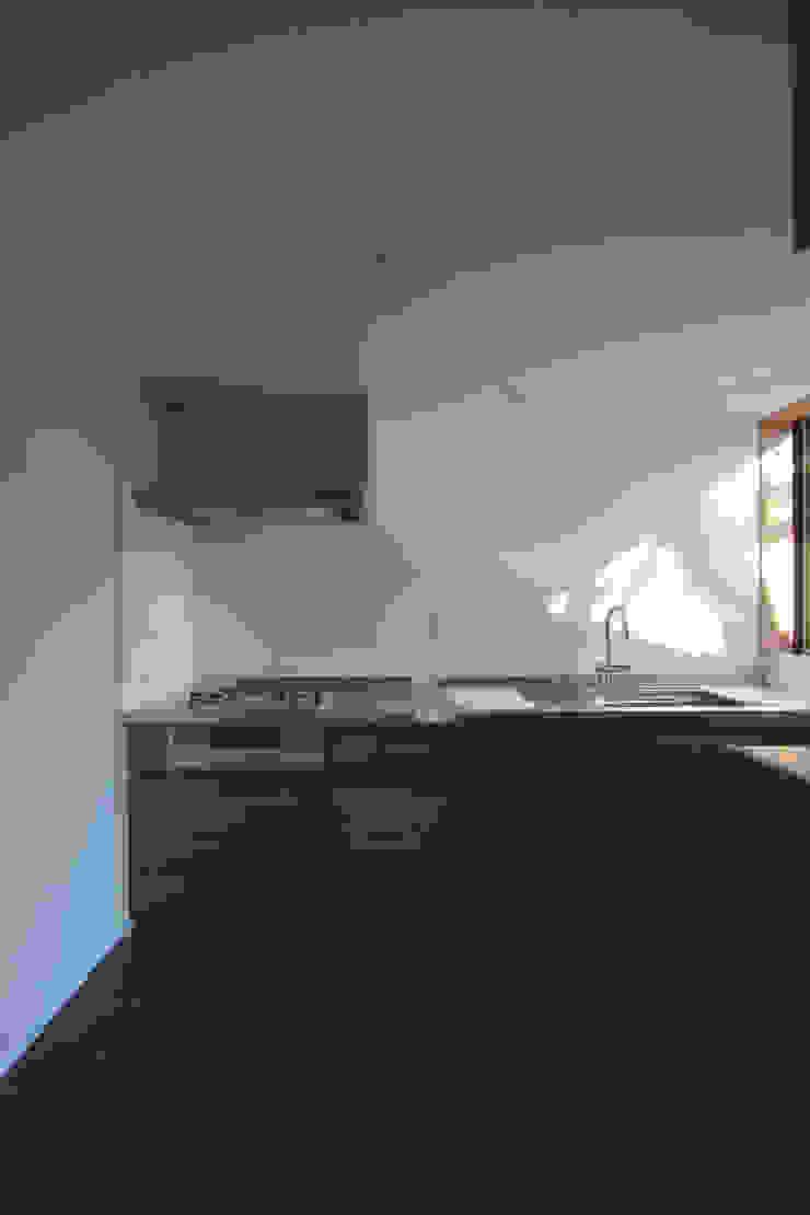 若林M邸 モダンな キッチン の 遠藤誠建築設計事務所(MAKOTO ENDO ARCHITECTS) モダン