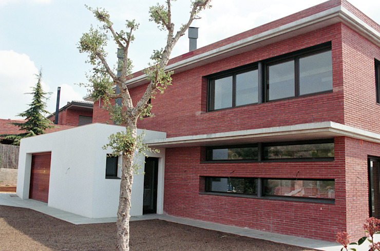 NorthWest façade FG ARQUITECTES Modern houses