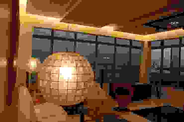 Living Room by Leles Arquitetura e Iluminação