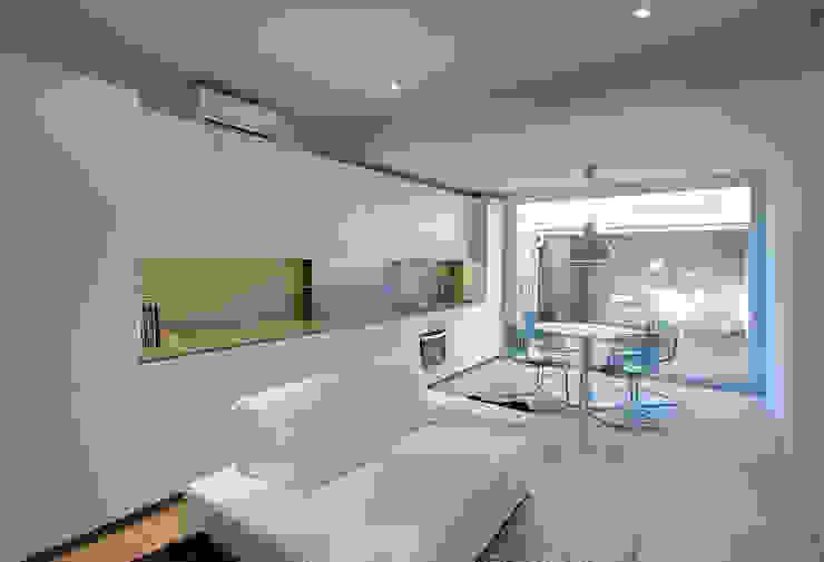 Рабочий кабинет в стиле минимализм от Lara Pujol | Interiorismo & Proyectos de diseño Минимализм