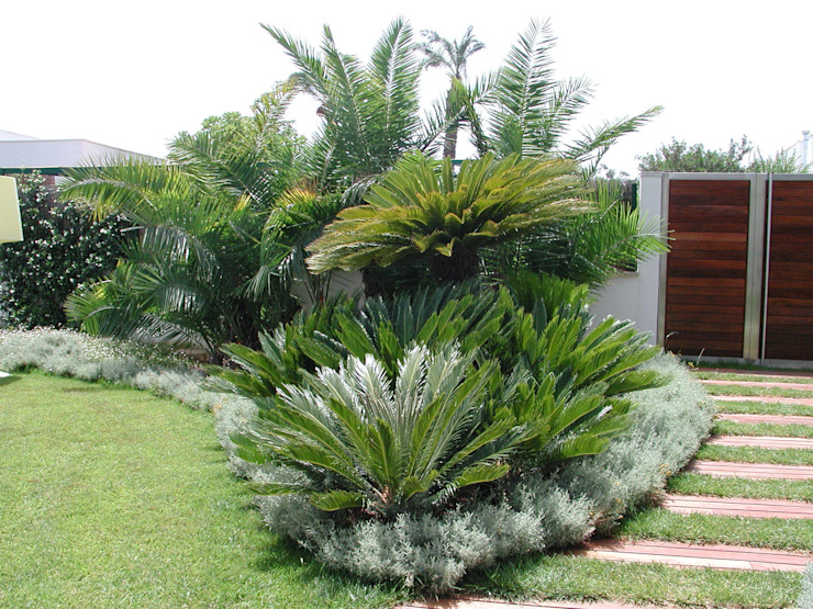 Una calda intimità Giardino di MELLOGIARDINI EXTERIOR DESIGNERS