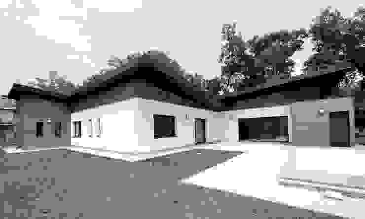 Vue extérieure par SAS d'Architecture Thierry BOUTIN Moderne