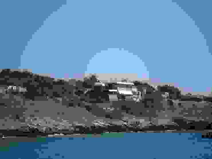 A un tuffo dal mare di MELLOGIARDINI EXTERIOR DESIGNERS Mediterraneo